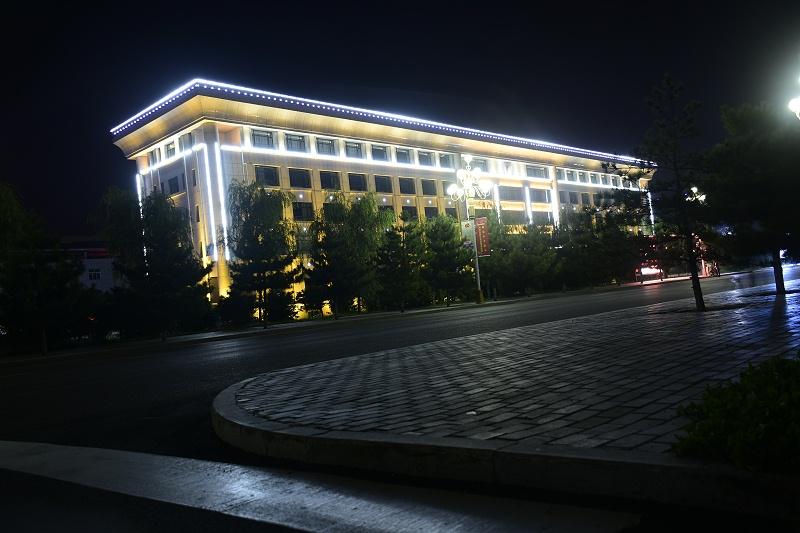 LED线条灯楼体亮化
