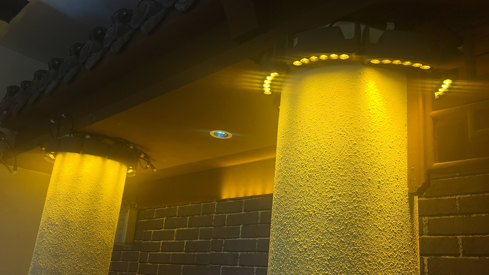 LED抱树灯-合创未来照明